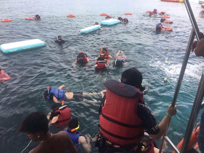 浮潜 Snorkeling